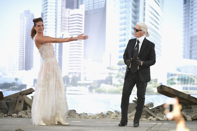 Karl Lagerfeld Chanel S Most Beautiful Wedding Gowns Wedding Inspirations